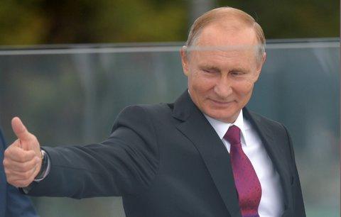 Putin opět prezidentem? Chce ho volit 71 procent lidí, hlavní opozičník kandidovat nesmí