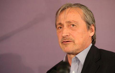 Ministr Stropnický je v nemocnici: Má zablokovanou páteř