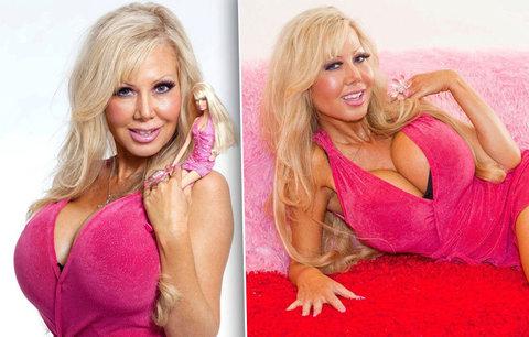 """Chci být jen panna na sex, mozek mě obtěžuje: Barbie platí za hypnózu, aby prý """"byla úplně hloupá"""""""