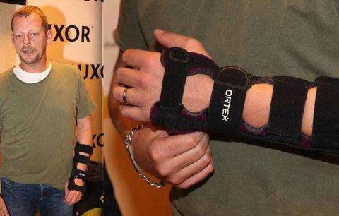 Martin Stránský z Ordinace: Poranil si ruku, musí nosit ortézu!