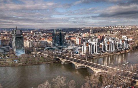 Zavřený Libeňský most: TSK vybrala firmu, která ho opraví. Hotovo má být do měsíce
