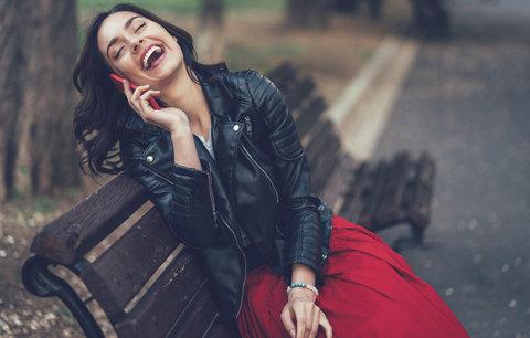 Křivák, pruhy a džíny: Které kombinace oblečení nikdy nevyjdou z módy?