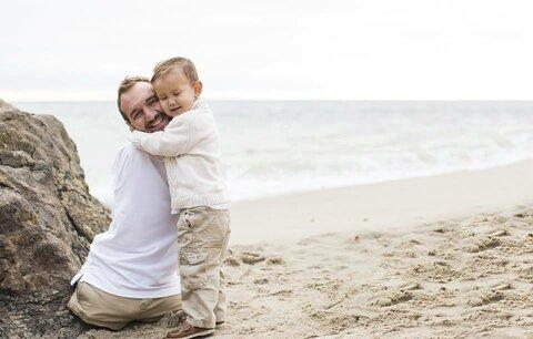 Nemá ruce ani nohy, v 10 letech chtěl spáchat sebevraždu. Dnes motivuje miliony lidí!