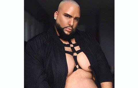 Váží 181 kilogramů a je hvězdou modelingu. Kdy začal zbožňovat sám sebe?