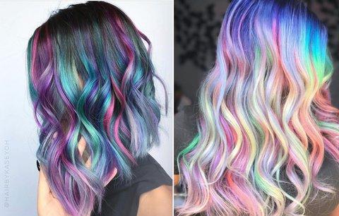 Barevné vlasy: Pro koho se hodí a co byste měla před barvením vědět?