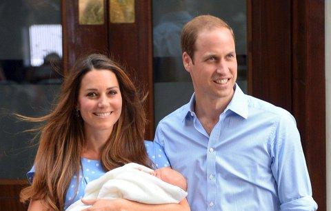 Nově narozený syn Kate a Williama má nárok na trůn. Je ale pátý v pořadí