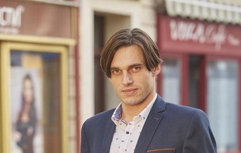 Kdo je herec, kterého zabili v Ulici? Seriálový Robert je syn ministra kultury!