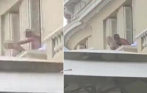 Nadržení turisté si to rozdali na hotelovém balkónu: Sledovala je plná restaurace