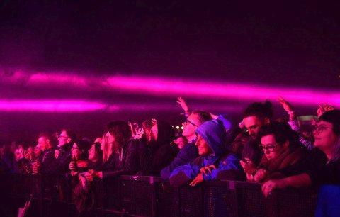Fanoušky festivalu Metronome špatné počasí neodradilo: Dočkali se show The Chemical Brothers