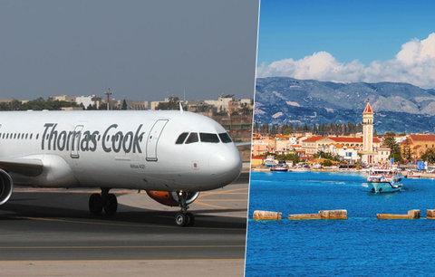 Turisty v Řecku nechali 3 hodiny v letadle rozpáleném sluncem: Dehydratace, kolaps a panika