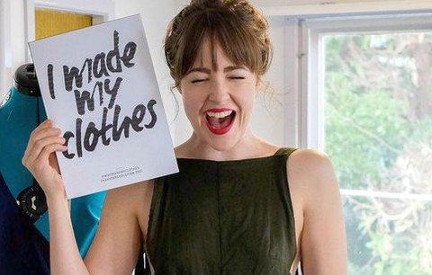 """Za oblečení utrácela dva tisíce týdně. Teď nakupuje jen v """"sekáči"""" a je módní ikonou!"""