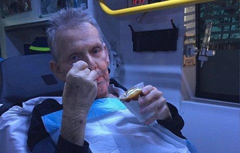 Záchranáři splnili umírajícímu dědečkovi poslední přání: Zmrzlina z McDonaldu!