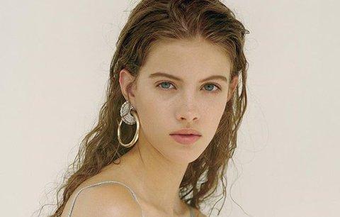 Škola musí počkat, modeling nejde dělat donekonečna, říká modelka Bára Podzimková (19)
