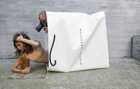Celebrity na síti: Victoria Beckham v nákupní tašce a šikovné děti Cindy Crawford