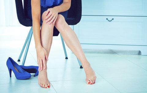 Večírky jsou tu! Jak netrpět v nových botách? Tyhle triky vám pomohou!