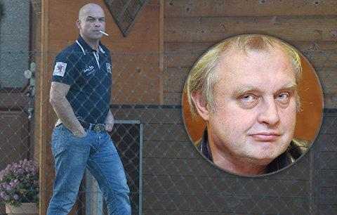 Muž, který napálil Ransdorfa, skončil ve vazbě. V dědické kauze mu hrozí až 8 let