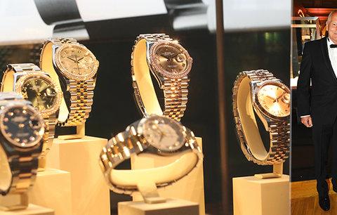 Pirk okukoval hodinky za 250 milionů. Převzal Zlatou vteřinu