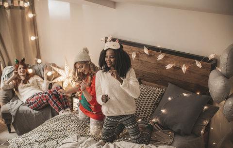 Vánoční pyžama a pantofle: Až si konečně uděláte pohodu! Kde koupíte nejhezčí?