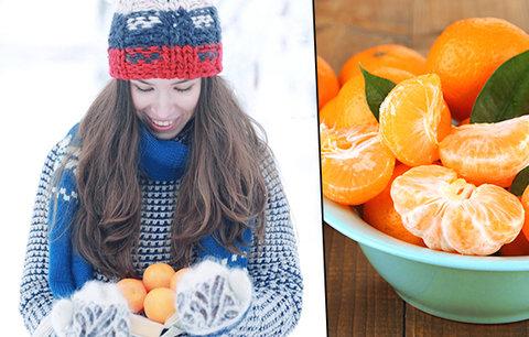 Souboj mandarinky a pomeranče: Kdo je zdravější? Plus tip na zkrášlující masku!