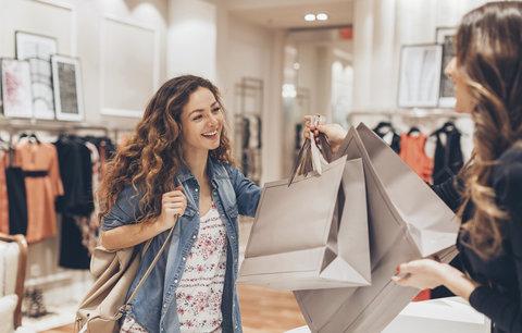 Povánoční slevy jsou tu! Co se vyplatí koupit a čemu je lepší se vyhnout?