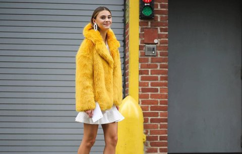 Zimní barvy: Které jsou trendy každý rok a jak je nosit?