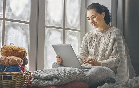 Pozor na nákupy v e-shopech! Toto oblečení nikdy bez zkoušení nekupujte