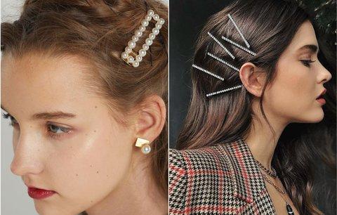 Devadesátkové trendy ve vlasech: Sponky se zase hlásí o slovo!
