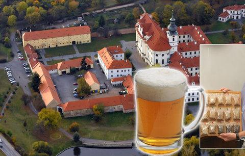 """Petr (63) navázal na tisíciletou tradici. V Břevnovském klášteru vaří """"požehnané"""" pivo"""