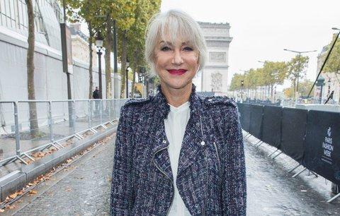 Helen Mirren ví, jak být kočka po sedmdesátce! Tyhle outfity musíte odkoukat