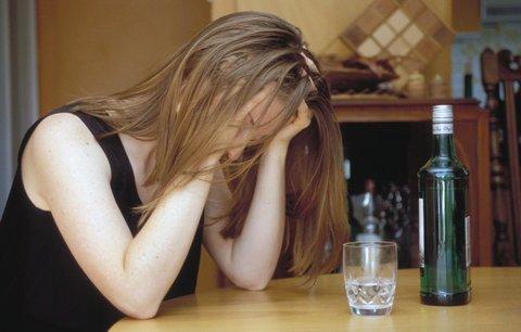 Vzdát se alkoholu je cesta k duševnímu zdraví, zjistili vědci. U žen dvojnásob