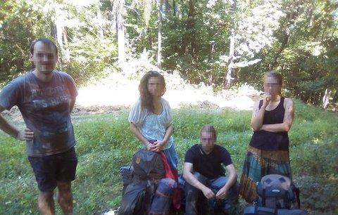 Čtyři Češi nelegálně přešli hranice Ukrajiny! Zavřeli je do vězení a vyhostili