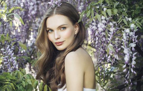 Síla bylinek v kosmetice: Které vás omladí nebo zbaví akné?