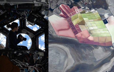 """""""Ať projasní váš den."""" Astronautka Christina ukázala fotky krás Země z vesmíru"""