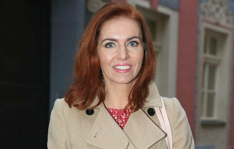 Nora Fridrichová: Kluci na základce komentovali můj hrudník, proto se celý život hrbím