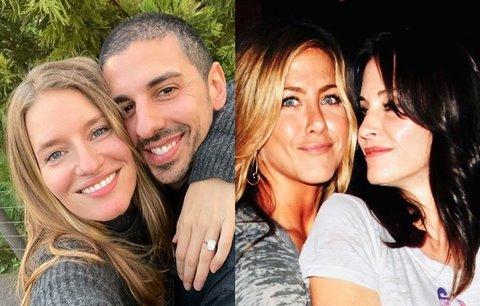 Zásnuby, noví potomci a první příspěvek od krásné Jennifer! Kdo tento týden zboural Instagram?