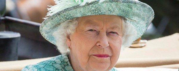 Královna Alžběta II. v šoku: Její lékař zemřel pod koly kamionu