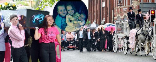 Srdcervoucí pohřeb čtyř dětí, které zahynuly při žhářském útoku: Jednou se zase všichni sejdeme