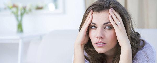 Je to obyčejná bolest hlavy, nebo migréna? Poznáte to podle těchto příznaků!