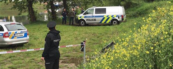 Potvrzeno: Tělo nalezené ve Vltavě patří dělníkovi, kterého v kanále spláchla voda
