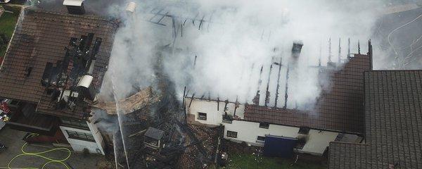 Exploze supermarketu v dovolenkovém ráji: Žena zmizela v dýmu, na místě jsou zranění