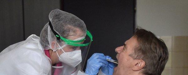Hygienici na severu Moravy zmírnili opatření: Smůlu má jen Frýdecko-Místecko! Do dolů OKD se vrací horníci