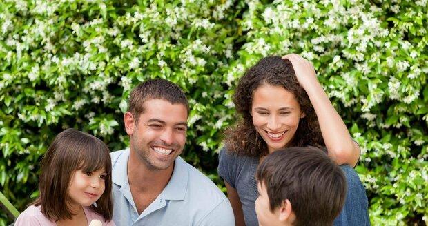 Na rodinný výlet ukončený dobrým jídlem servírovaným v trávě, budo děti dlouho vzpomínat.