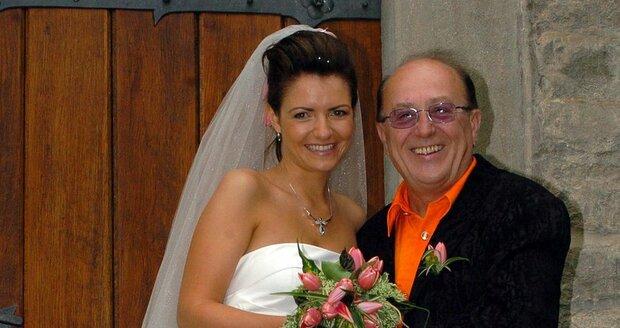 Svatební den Petra Jandy s manželkou Alicí.