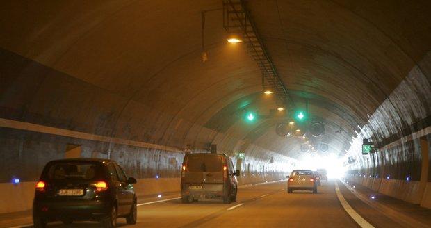Lochkovský tunel po víkendu otevřeli. Testoval se tu kamerový systém