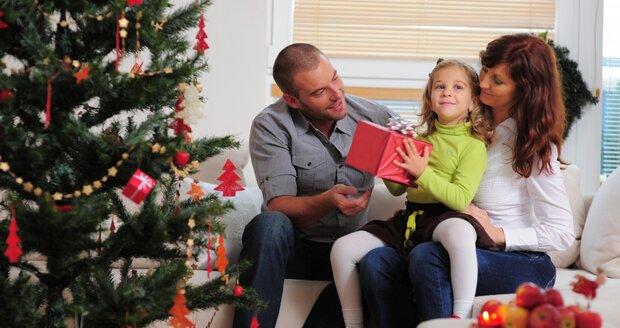 Hlavně aby byly Vánoce klidné a alespoň pro děti štědré. To si přeje většina lidí.