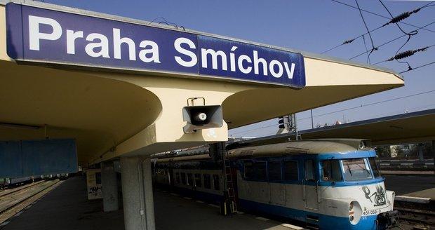 Mezi Smíchovem a Radotínem nejezdí vlaky.