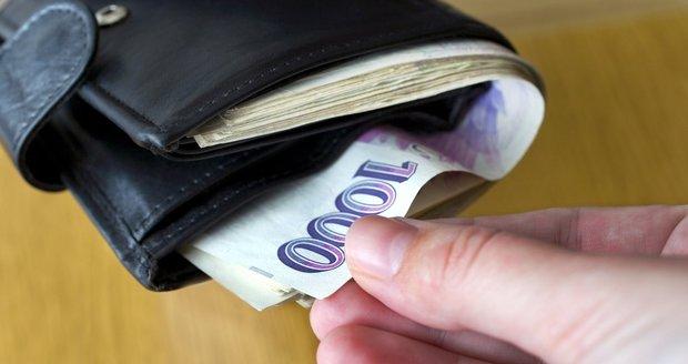 Zloděj se vloudil do brněnského divadla, pozorní zaměstnanci zavolali strážníky. Recidivista (25) i tak stačil ukrást peněženku. Ilustrační foto