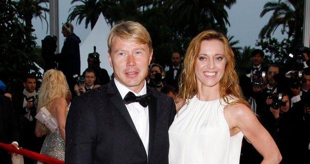 Bývalý pilot formule 1 Mika Häkkinen a jeho partnerka Markéta.