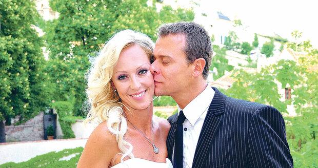 Svatební fotografie Belohorcové a Hájka. Takhle si řekli své Ano