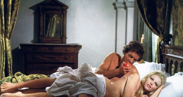 Olga Schoberová má na kontě řadu scén s jemným erotickým nádechem.